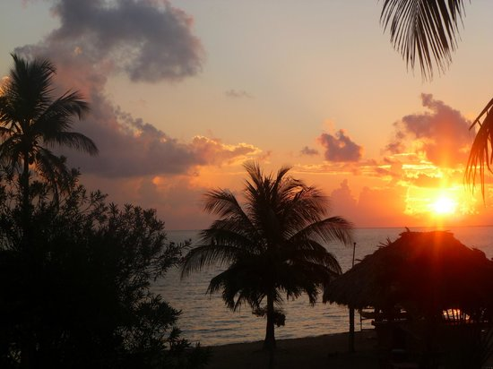 Belizean Dreams: Beautiful sunrise