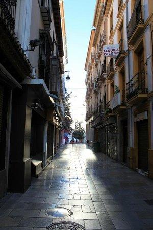 Navas Hotel : Üzerinde bulunduğu Navas caddesi