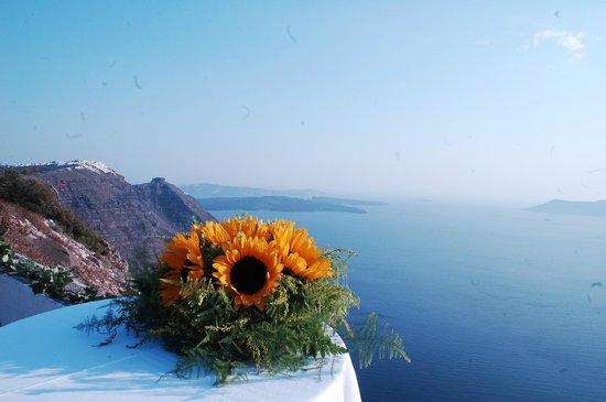 Pelagos Hotel-Oia: View form the wedding location that Oia Pelagos manager organised.