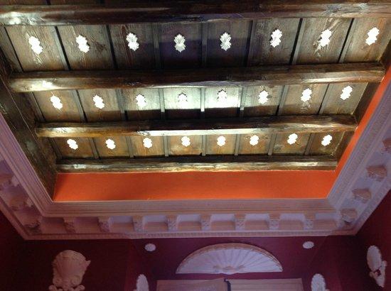 Hotel Pensione Barrett: soffitto della mia camera