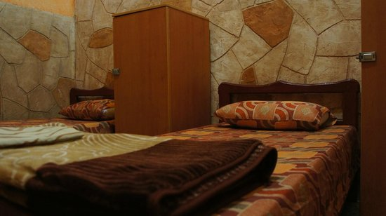 Talal Hotel: My bed, you get a great locker to put your belongings away safely