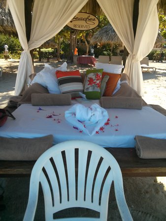 Beaches Negril Resort & Spa: AHHH..Cabana...!!