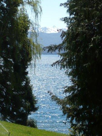 La Cascada Hotel: Vista al Lago desde Hotel