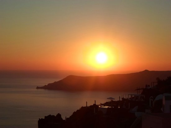 Santorini Mansion at Imerovigli: Beautiful sunset
