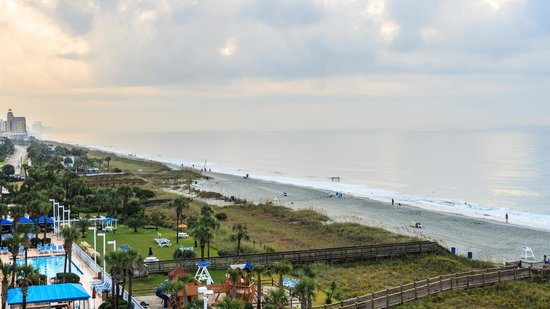 Dunes Village Resort: Ocean Front (right)