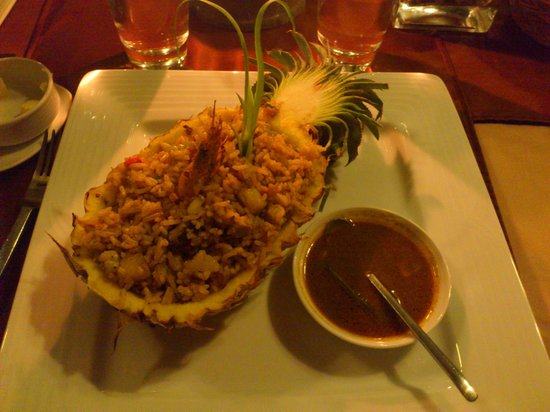 Lake Lodge Hotel: delicious Pineapple rice..
