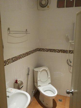 Supichaya: Bathroom