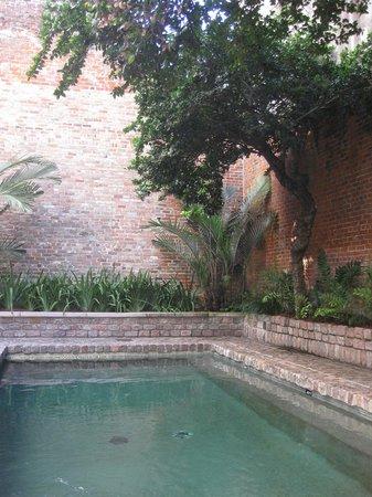 Hotel Le Marais: Courtyard