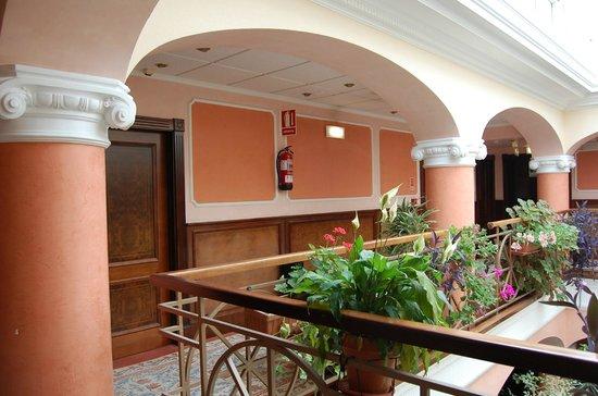Begona Park Hotel: Pasillo