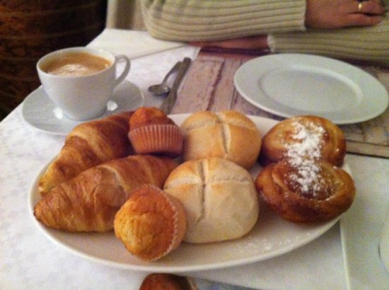 Salinas de Imon Hotel & Spa: Desayuno calentito