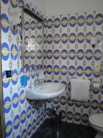 Hotel Delle Rose: Banheiro