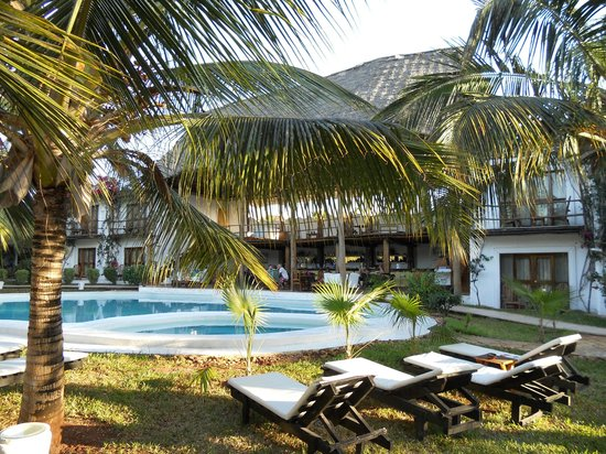 My Blue Hotel: La piscina