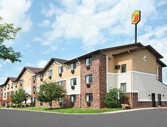 Super 8 Canton/Livonia Area: Welcom to the Super 8 Canton, MI