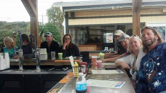 Loggerhead's Beach Grill: Good friends, good times
