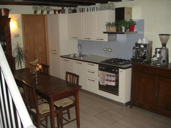 Ca' Barba B&B : Kitchen and Dining area