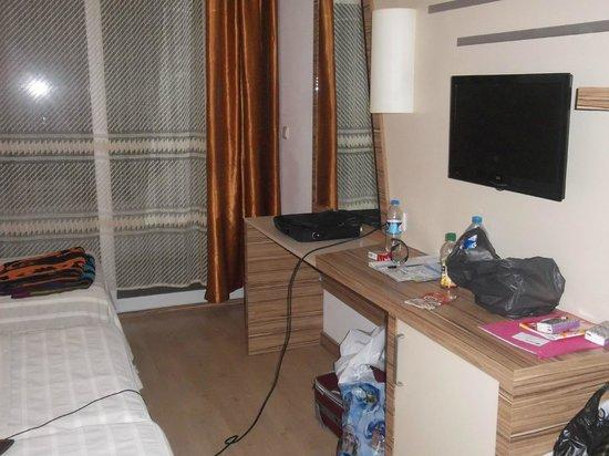 Serhan Hotel: tv