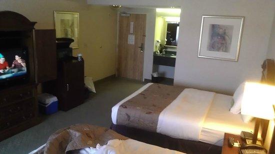 La Quinta Inn & Suites Hayward Oakland Airport : fridge microwave