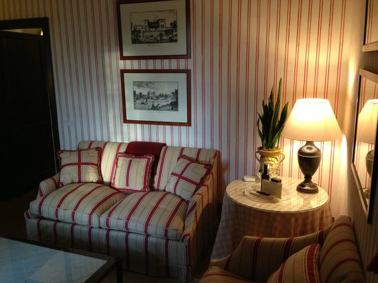 Castello Banfi - Il Borgo : Sitting area in our room