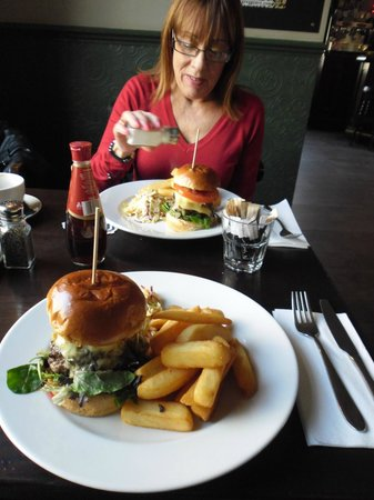 The Lamplighter: Lunch is served