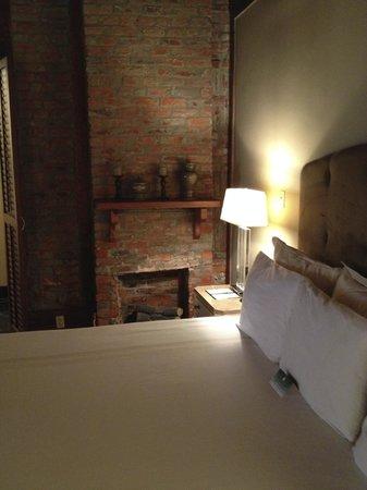 Dauphine Orleans Hotel: king premium room