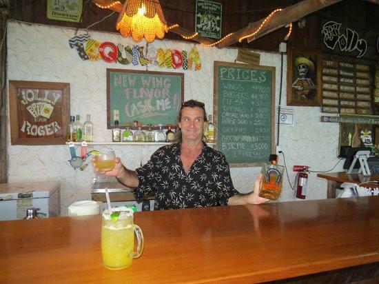 Jolly Roger: Best Bartender in Dominical