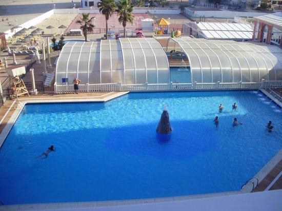 Hotel Entremares: las dos piscinas vistas desde nuestra terraza