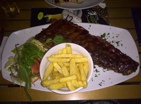 Victoria Restaurant: Full rack of ribs