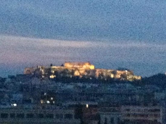 Radisson Blu Park Hotel Athens : View of the Acropolis from the bar atop the Raddison Blu Park