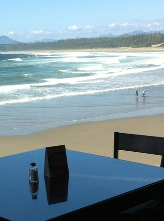 Kwisitis Feast House Restaurant: View from your beachside table