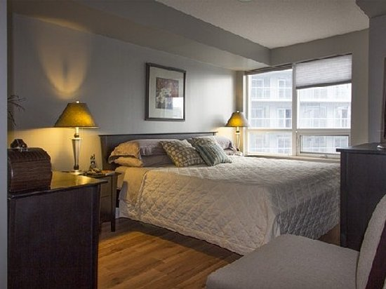 Park Suites Toronto - Front St. West: Bedroom