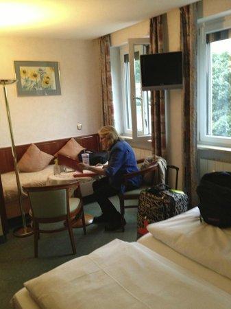 Hotel Alter Kranen: room