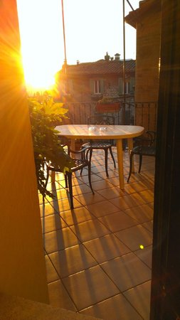 Hotel Fortuna: View of small roof terrace