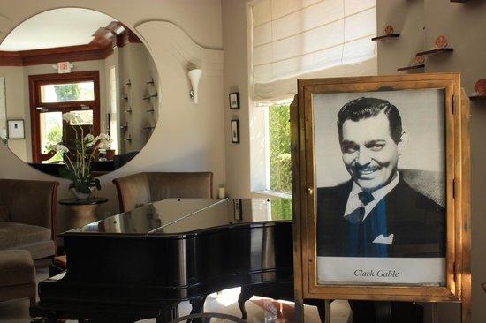 Cadet Hotel: Lobby mit Geschichte