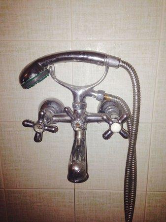 Alikes Apartments: tarnished taps at 102 Alikes