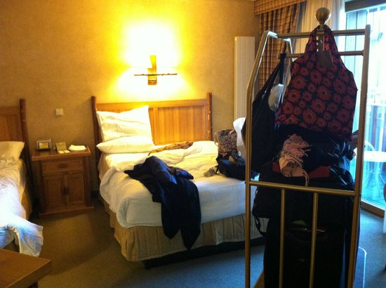 Edelweiss Lodge and Resort: Checking out of room