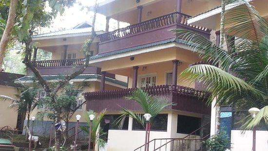 Aruvi Resorts : Cottages