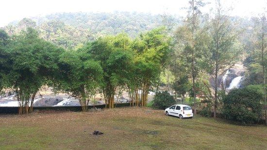 Aruvi Resorts : Camp Fire area