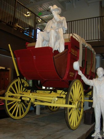 Park City Museum: Stagecoach in museum