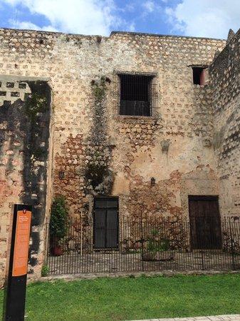 Convent de San Bernardino de Siena: Exterior