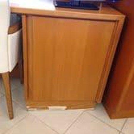 Crosti Hotel: Desk