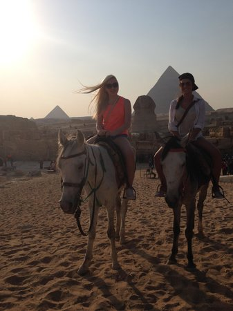 Private Tours Egypt & Excursions - Day Tours: Giza Pyramids by horseback