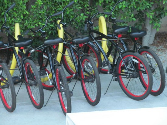 Movie Colony Hotel : Hotel provides bikes