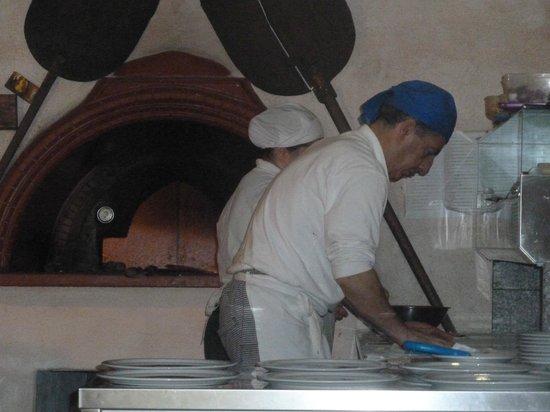 Pizzeria S'arzola: Franco il Maestro della Pizza