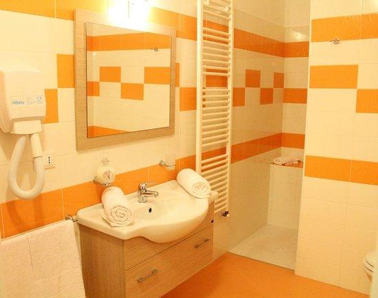 B&B Arcona : Il bagno appena arrivati, molto pulito e grande