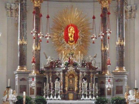 Basilica Wilten: El altar