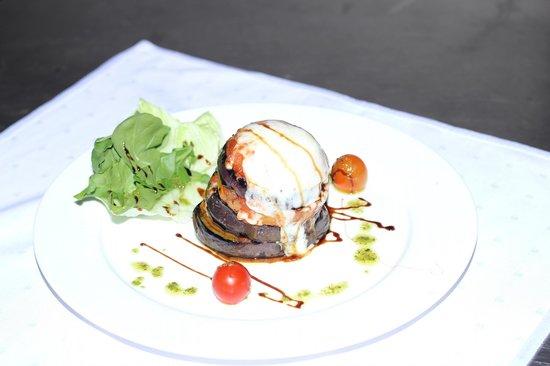 Bonita Inn: Eggplant Tower