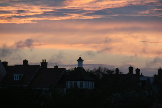 Tirah Guest House: Aldeburgh beach evening