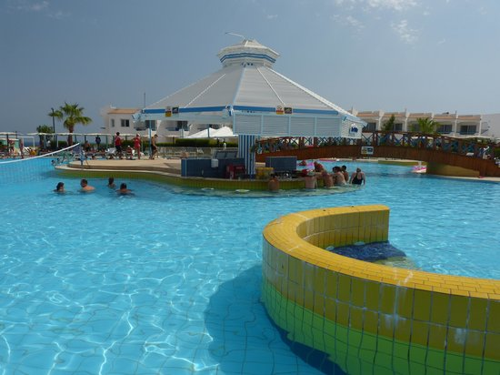 Dreams Beach Resort: The Main Pool Bar