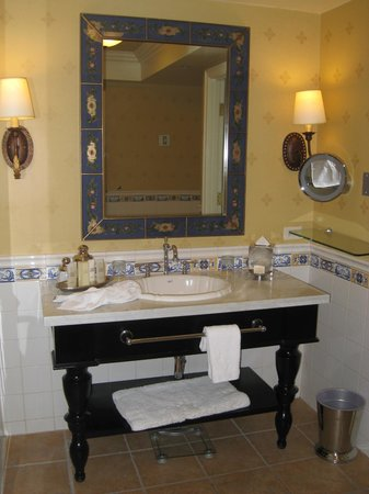 Green Valley Ranch Resort and Spa : Bathroom in suite