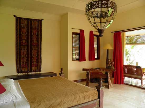 Green Field Hotel and Bungalows: Habitación